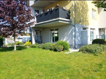 Prenájom - 2-izb. byt zo záhradkou na začiatku Rovinky