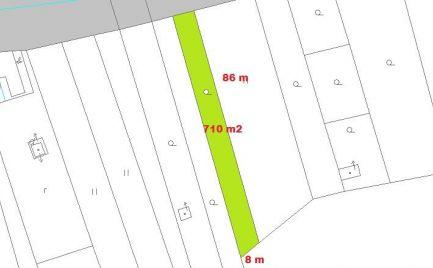Predáme rovinatú záhradu 710 m2, pri  Banskej Bystrici – Cena 14  500 €
