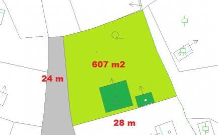 Chata s pozemkom 607 m2, s možnosťou celoročného bývania - cena 72 000€