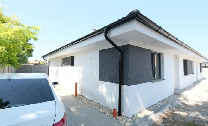 Krásne a prakticky riešené rodinné domy neďaleko mesta Dunajská Streda