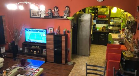 PREDAJ -  kompletne zrekonštruovaný 3 - izbový  byt v Kolárove