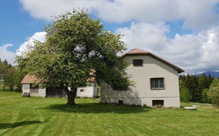 REZERVOVANÝ-Na predaj rodinný dom s krásnym a rozsiahlim pozemkom
