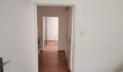 Na predaj 4. izbový byt Dúbravka, Ožvoldíkova.