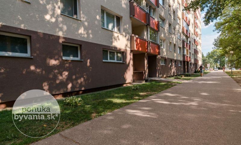 ponukabyvania.sk_Jašíkova_2-izbový-byt_KOVÁČ