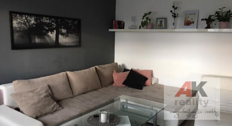 Predaj 3 izbový byt Most pri Bratislave, Orgovánová ulica