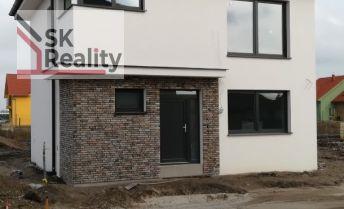 Nové domy v Lehniciach vo výstavbe