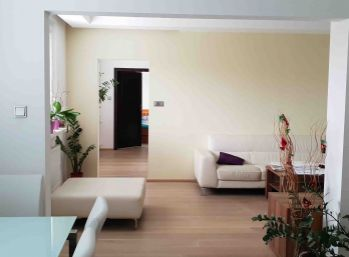 Elegantný 6 izb. byt v Tichej lokalite Dúbravky