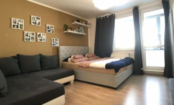 Petržalka, 3i byt Šustekova, kompletná rekonštrukcia, klimatizovaný