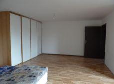 TOMÁŠOV - NA PRENÁJOM 3 izbový RD v centre