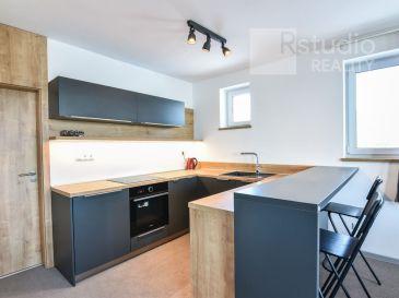 PRENÁJOM - 3 izbový apartmán 67 m2 / Trnava / možnosť krátkodobý prenájom /