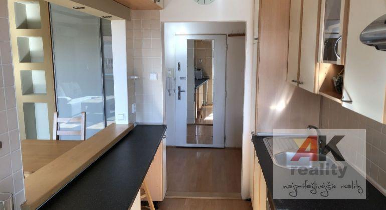 Prenájom 2 izbový byt Bratislava-Ružinov, Medzilaborecká