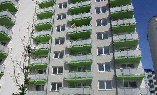 Príjemný 2 izbový byt v novostavbe v Dúbravke s veľkým balkónom a vyhradeným parkovacím miestom. TREBA VIDIEŤ.