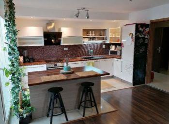 Krásny 2-izbový byt s terasou