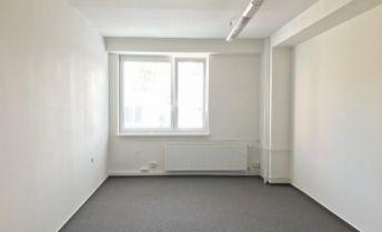Kancelárske priestory na prenájom 17 m2, budova Allianz, Záhradnícka ulica, Prievidza