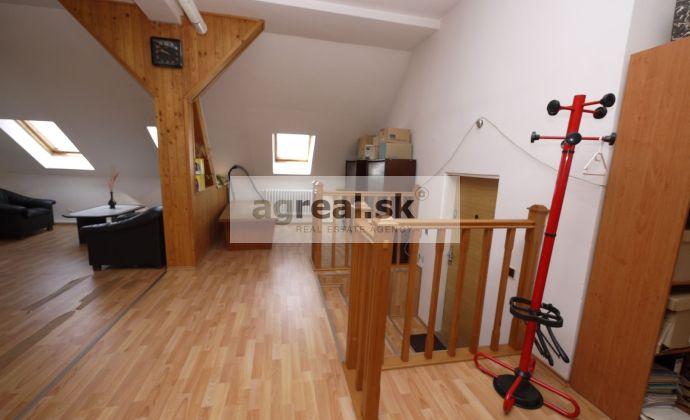 Nebytový priestor - podkrovie - Trnavské Mýto 200 m2 (4.posch)