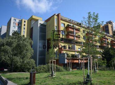 Prenájom mezonetový byt v Dúbravke na ul. Pod Záhradami, Bratislava