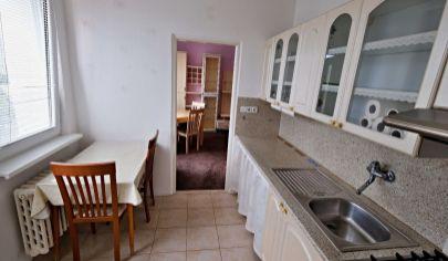 V Karlovej Vsi na predaj 2 izbový byt.