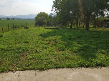 pozemok pre 4 rodinné domy Melčice Lieskové