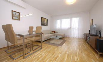 3-izbový kompletne rekonštruovaný byt Bartókova ul., možnosť kúpy garáže