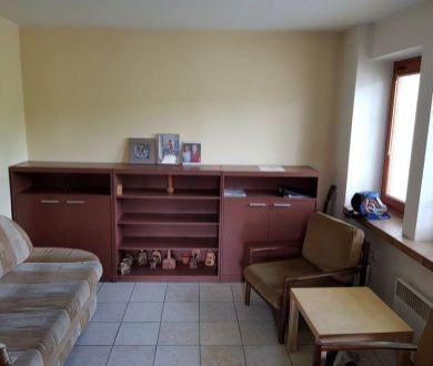 Ponúkame na prenájom rodinný dom v Považskom Podhradí.