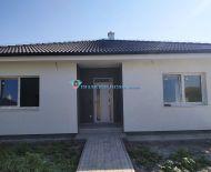 Rezervované /DIAMONDHOME s.r.o. Vám ponúka na predaj kvalitne postavené a kompletne dokonrčené 4 izbové rodinné domy v obci Michal na Ostrove, časť Kolónia.