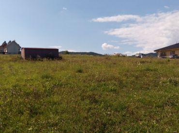Predaj stavebného pozemku v obci Podhorie,  1395 m2,  64.775 €