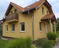 LEN U NÁS!!! DIAMOND HOME s.r.o. Vám ponúka na predaj pekný 4 izbový rodinný dom s krásnou záhradou neďaleko od Dunajskej Stredy v obci Horná Potôň!