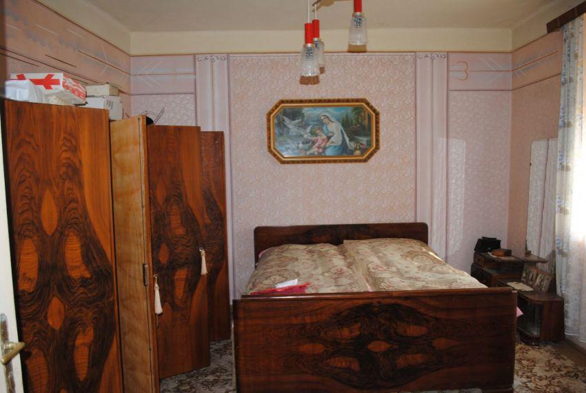 Predaj Rodinné domy Farná-5