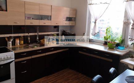 Predáme veľký 2-izbový byt 65m2 Nové Zámky