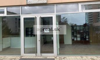 Priestor na obchod, showroom, masáže, poradenstvo, 77,30 m² s parkingom - nákupné centrum TERNO