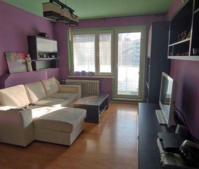 Ponúkame na predaj veľký 4 izbový byt v Považskej Bystrici.