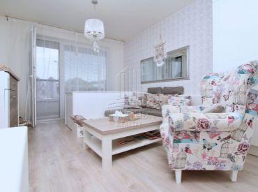 EXKLUZÍVNE ZARIADENÝ - 1 izbový byt na ulici Žltá v Slnečniciach - viladomy
