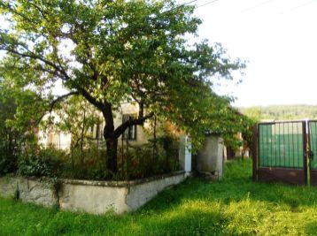 ĽUBOREČ - RD(chalupa)s pozemkom pod LESOM a ovocným SADOM