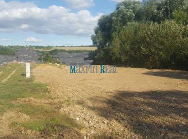 MAXFIN REAL- EXKLUZÍVNE predáme krásny pozemok na stavbu RD 650m2 s IS Malý Lapáš