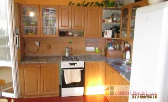 PREDANÉ - Ponúkame na predaj veľmi pekný a rozlohou veľký 2 - izbový byt, na sídlisku PH.