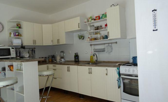 Na predaj 3 izbový byt + ZAHRADKA v ROVINKE, novostavba