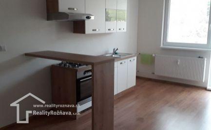 2 - izbový byt s dvomi balkónmi v Rožňave na sídlisku Podrákoš