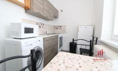 2 izbový zrekonštruovaný tehlový byt, na predaj, Komárno