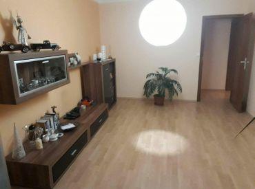 Prenájom  veľký 2 izbový byt, Rimavská Sobota - Západ