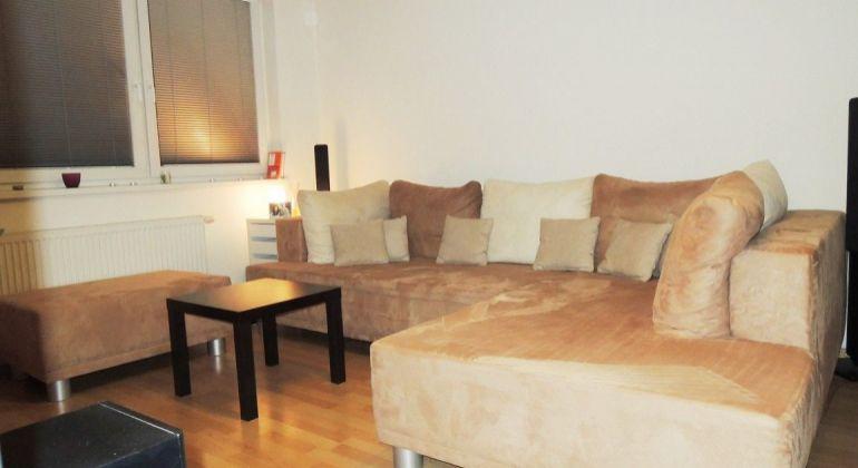 Realitná kancelária Pegas real Vám  ponúka na prenájom krásny 2 izbový byt v Bratislave na ulici K lomu.