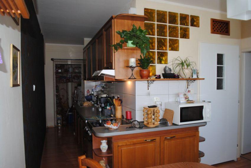 Predaj 3 izbový byt Želiezovce-2