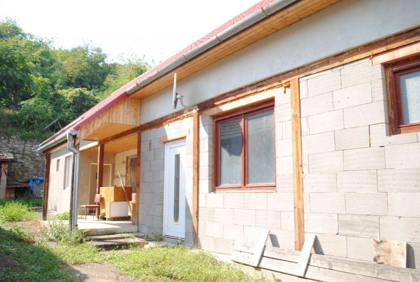 Predaj Rodinné domy Chľaba-1