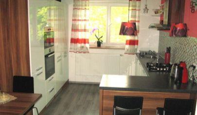 NOVINKA na predaj 2 izbový tehlový byt, 3./3 podlažie, Martin – Centrum