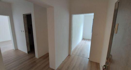 REZERVOVANÉ 2-izbový byt 56m2 s lodžiou v nadštandarde, novostavba SĹŇAVA - BANKA - PIEŠŤANY