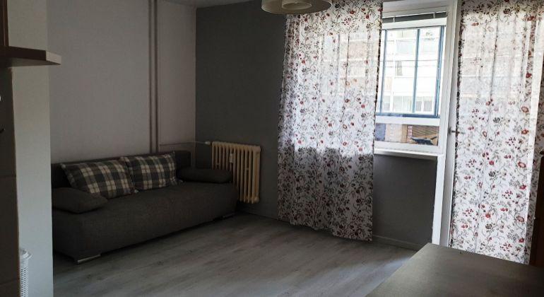 Prenájom - pekný, zariadený 1-izbový byt s veľkým balkónom, Bratislava-Dúbravka, ul. M.Sch.Trnavského