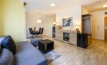 Na predaj 1 izbový byt s balkónom ( vrátane zariadenia), Bratislava, Dúbravka, Agátová ulica.