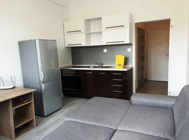 ** EXKLUZÍVNE ** Na predaj zariadená garsónka 21 m2 po rozsiahlej rekonštrukcií - Nová Dubnica - CENTRUM