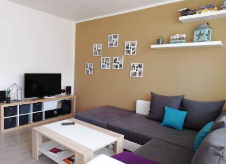 REZERVOVANÉ. StarBrokers - Krásny, kvalitne kompletne prerobený 3 izbový byt na začiatku Petržalky.TOP lokalita.