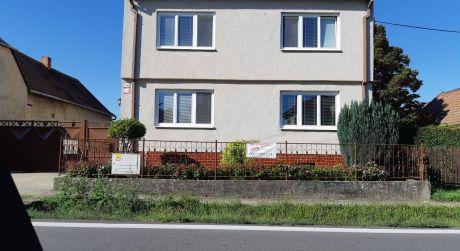 Kuchárek-real: EXKLUZÍVNE- 5 izbový rodinný dom po rekonštrukcii v obci Viničné.