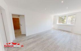 Na predaj kompletne zrekonštruovaný 3 izbový byt v Trenčíne, Sihoť, Sibírska ulica.